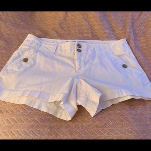 "Old Navy mid rise white shorts SZ 12. Length 11.8"""